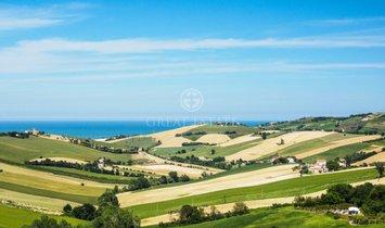 Estate in Fermo, Marche, Italy 1