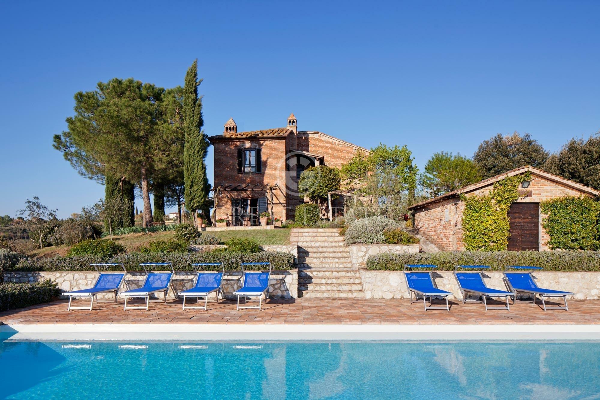 Estate in Castiglione del Lago, Umbria, Italy 1 - 10673654