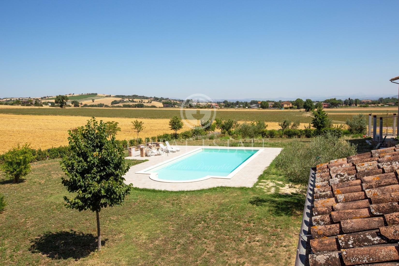 Estate in Umbria, Italy 1 - 10949677