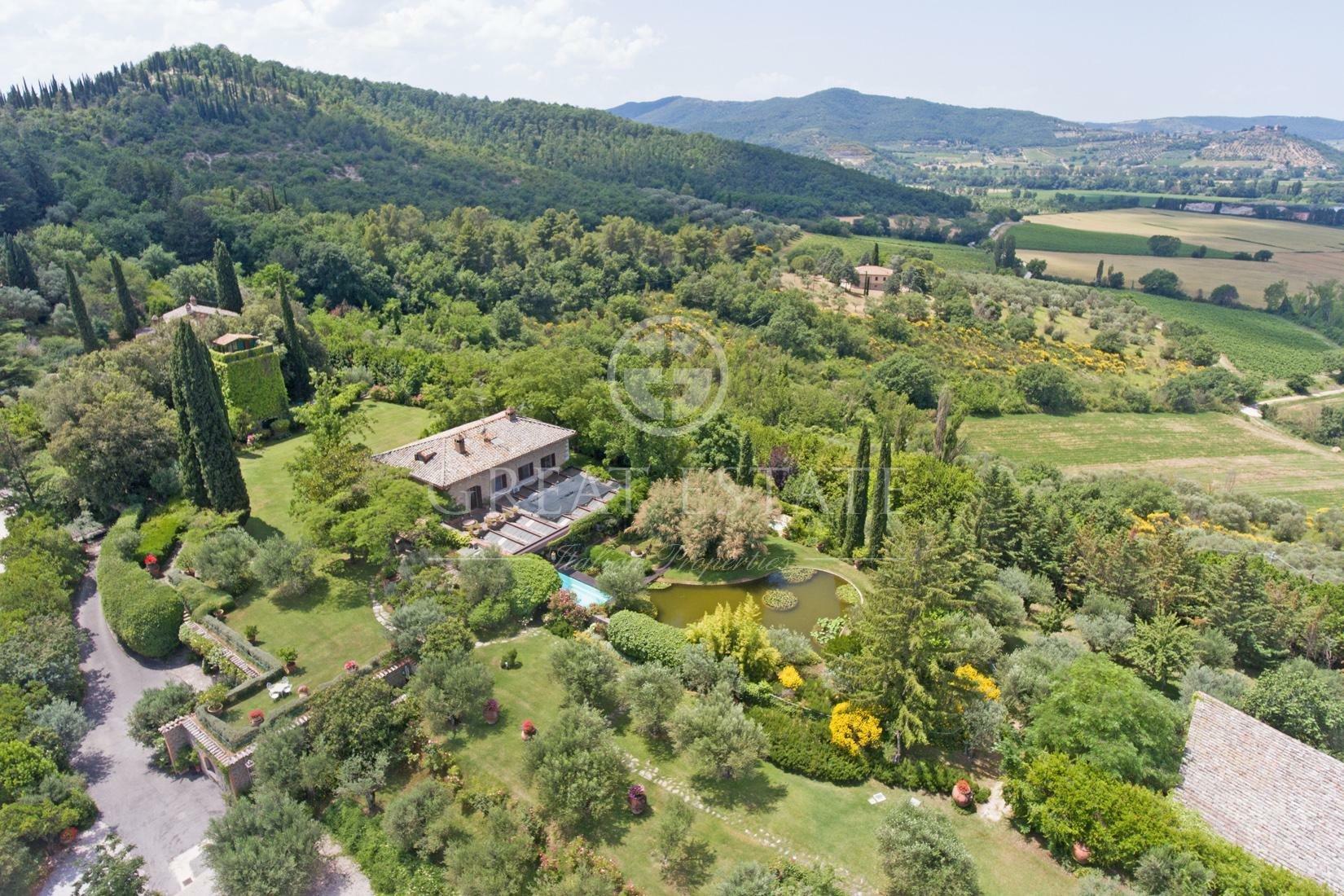 Estate in Umbria, Italy 1 - 10673841