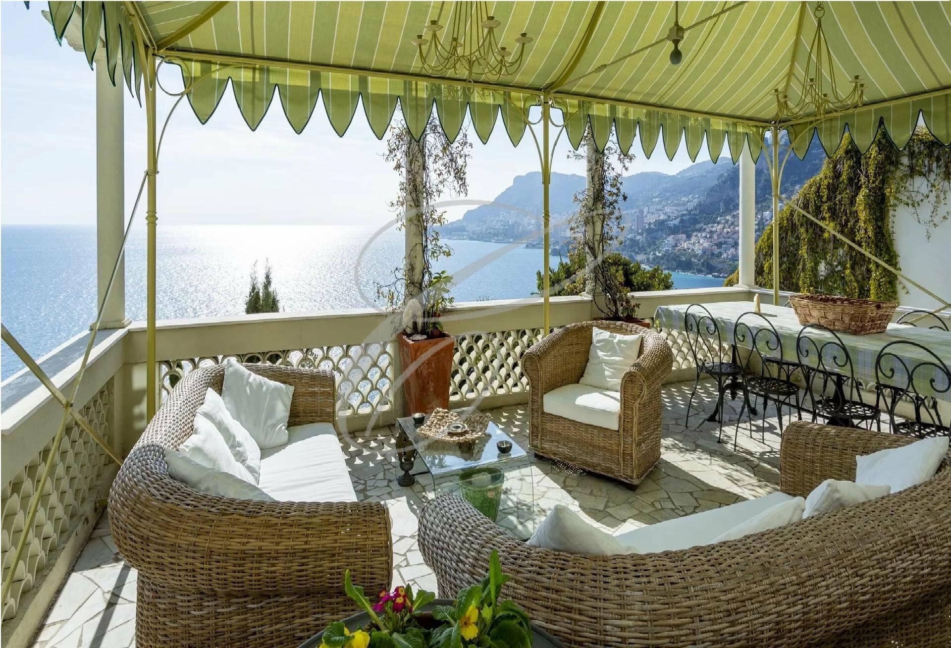 Villa in Roquebrune-Cap-Martin, Provence-Alpes-Côte d'Azur, France 1 - 10966432