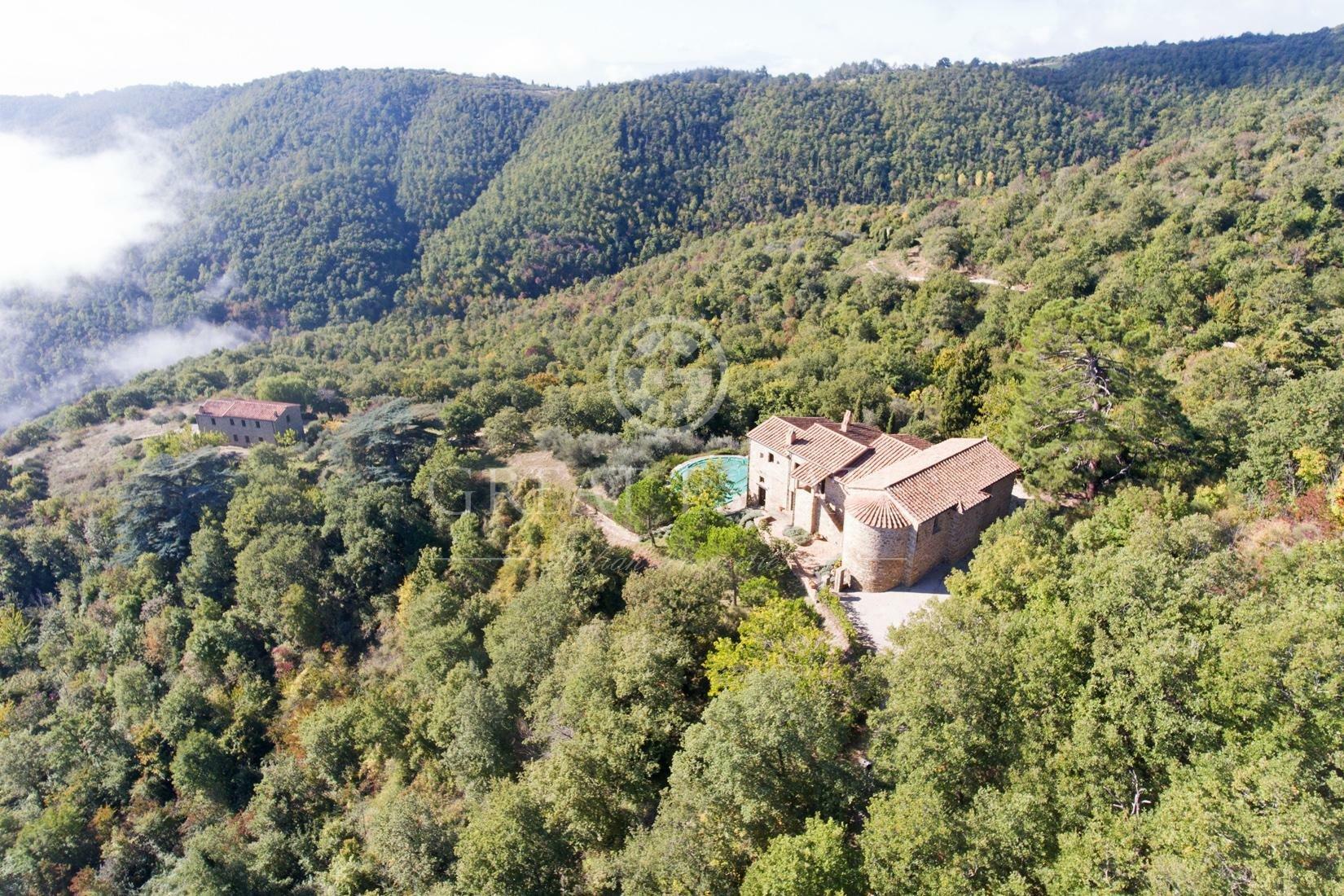 Estate in Lisciano Niccone, Umbria, Italy 1 - 10949703