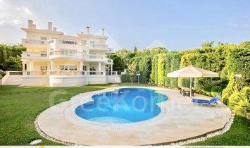 Villa in Penteli, Greece 1