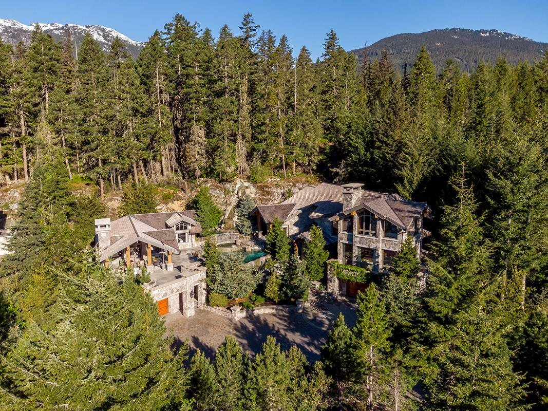 House in Whistler, British Columbia, Canada 1 - 11491138