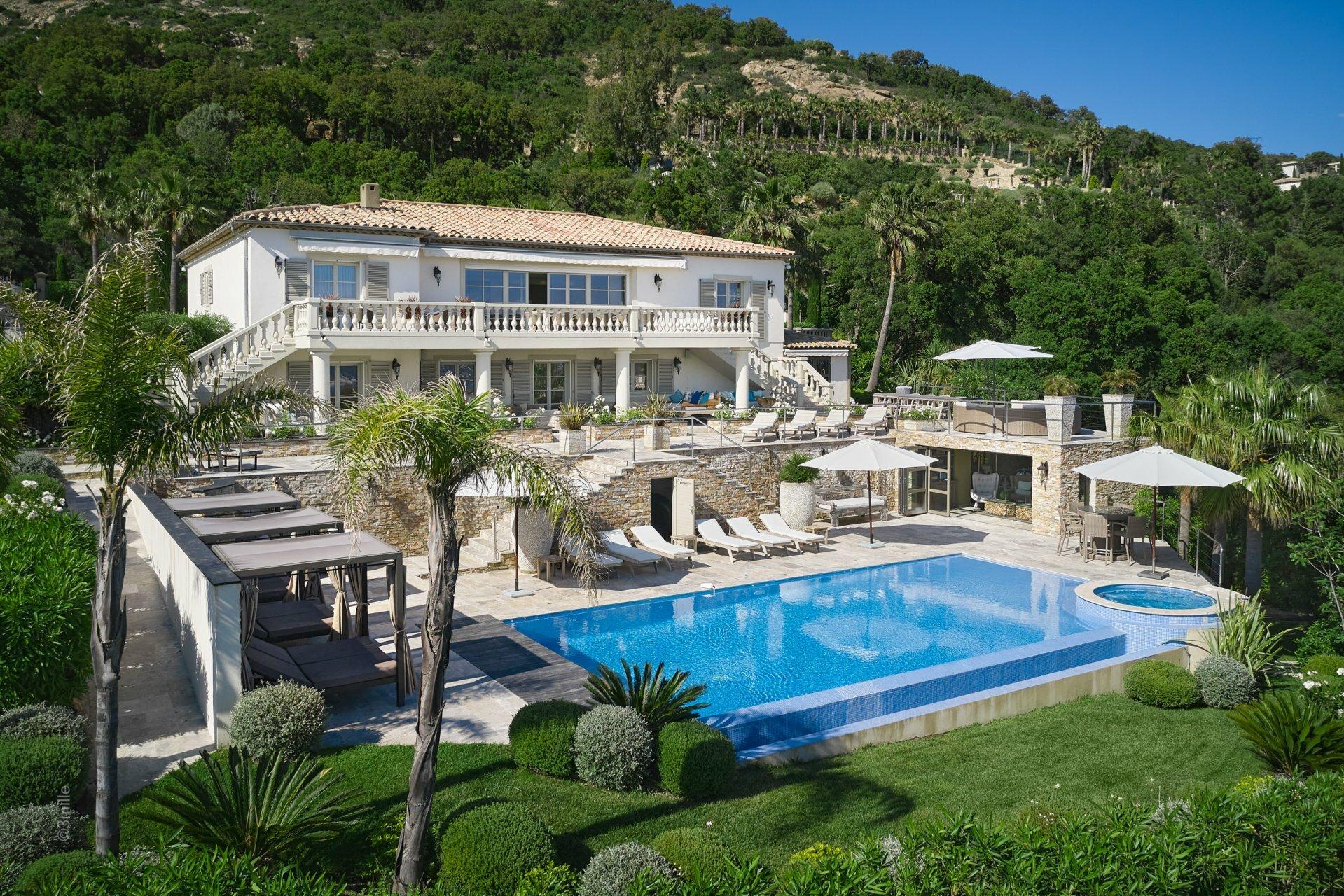 House in Grimaud, Provence-Alpes-Côte d'Azur, France 1 - 11489916