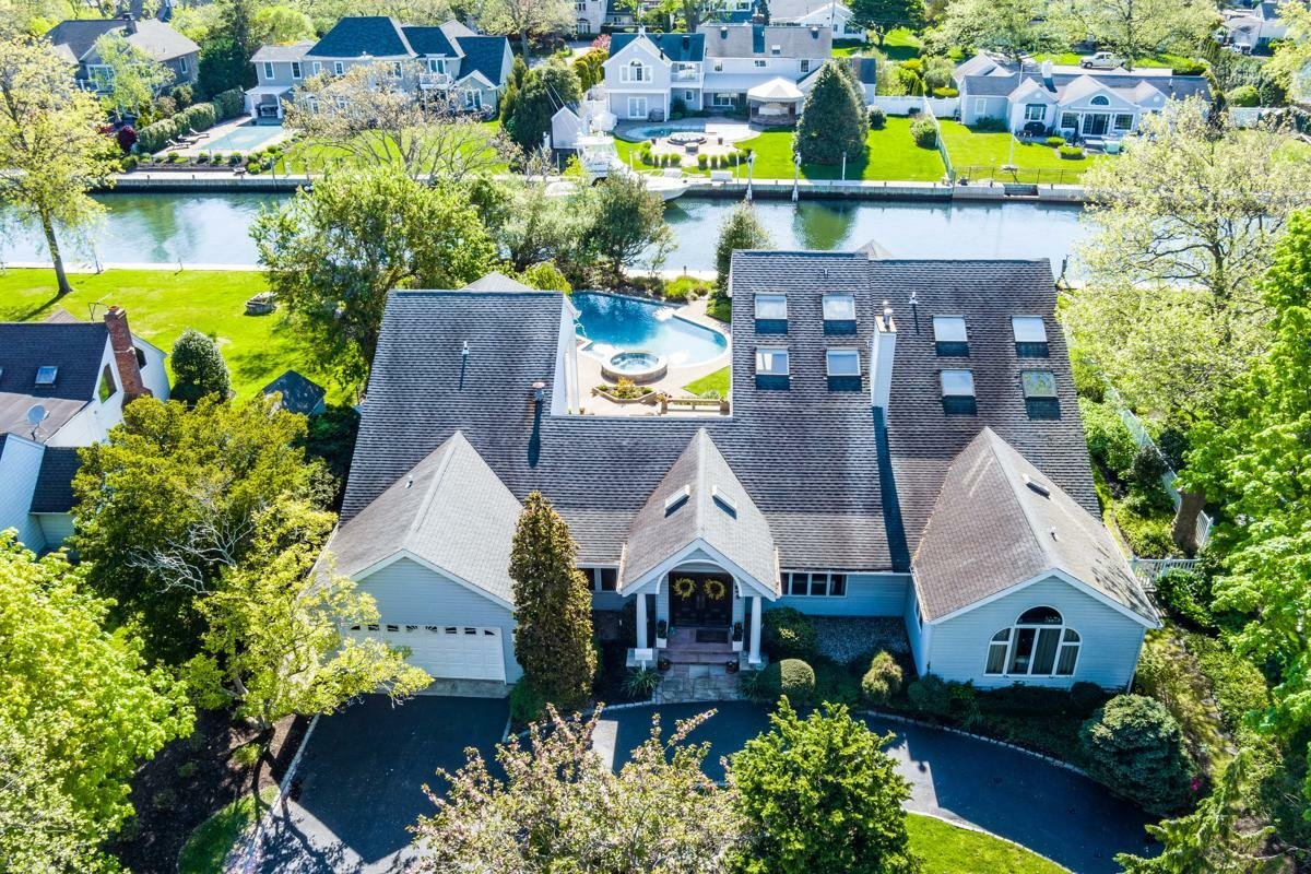 House in West Islip, New York, United States 1