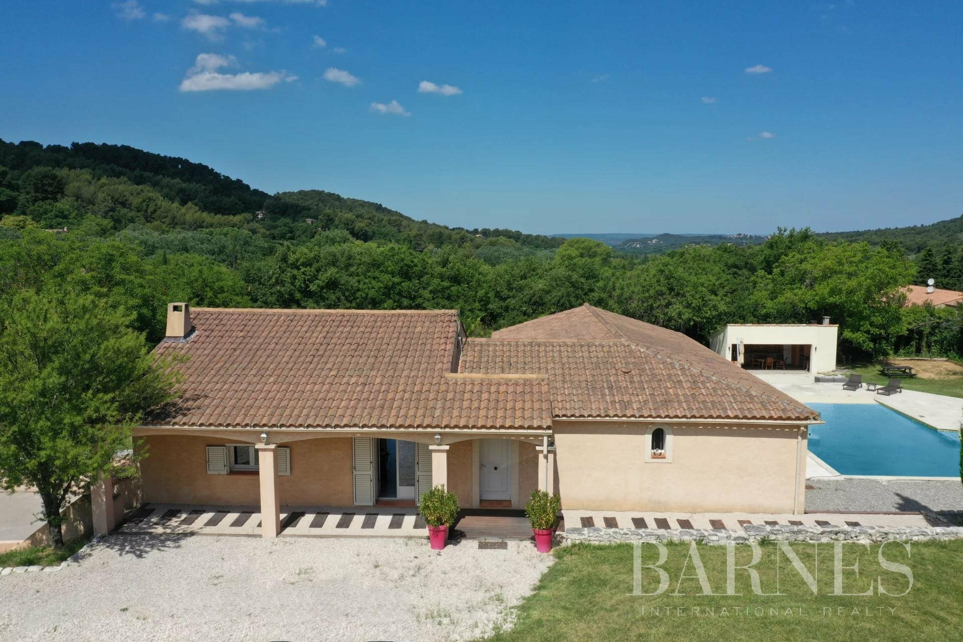 House in Bouc-Bel-Air, Provence-Alpes-Côte d'Azur, France 1