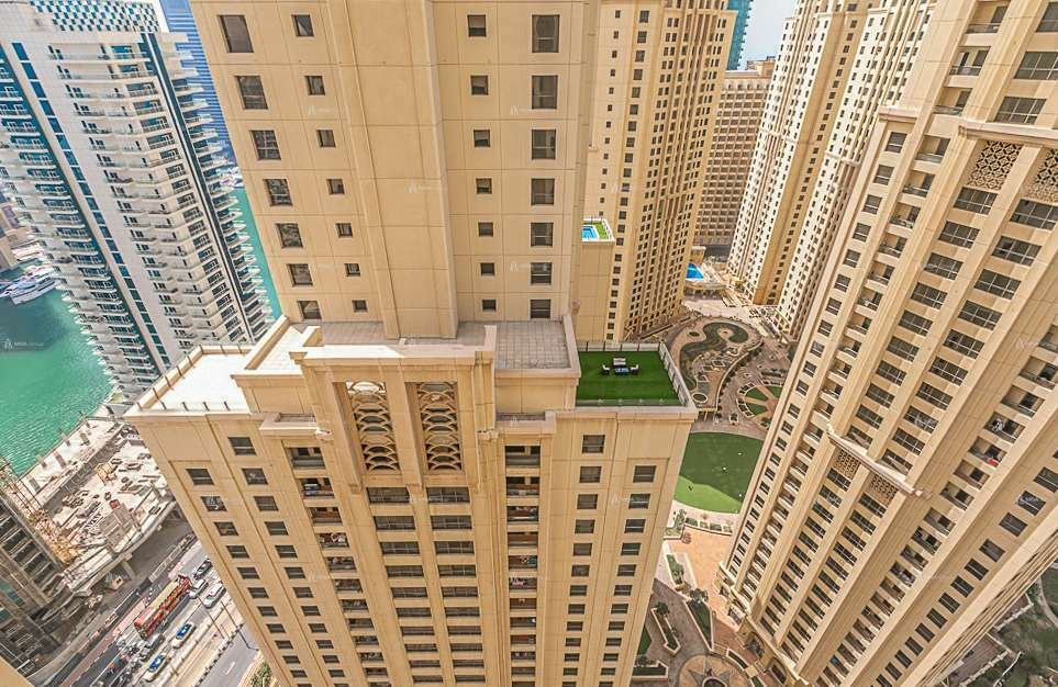 Apartment in Dubai, United Arab Emirates 1 - 10927613