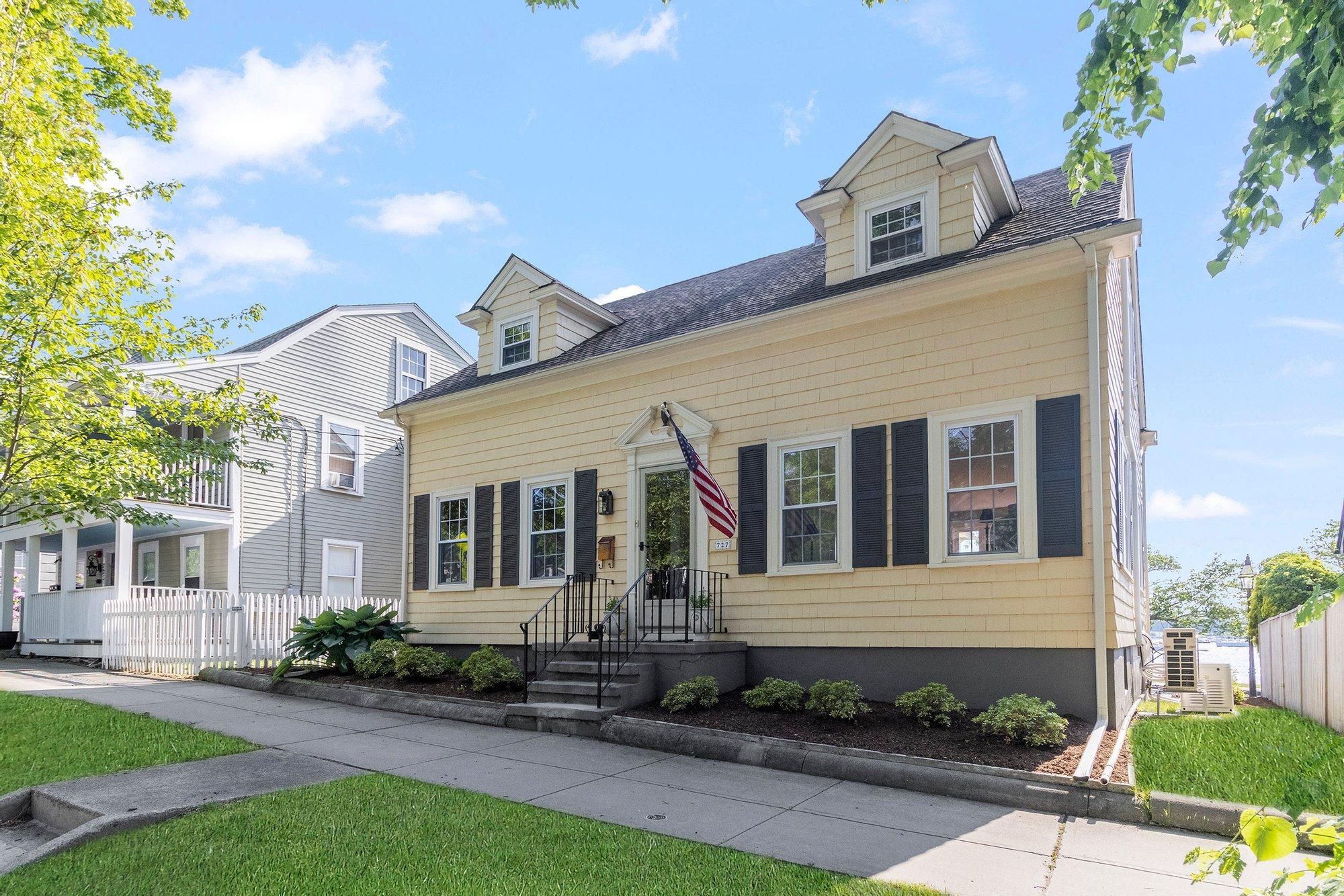 House in Bristol, Rhode Island, United States 1 - 11492461