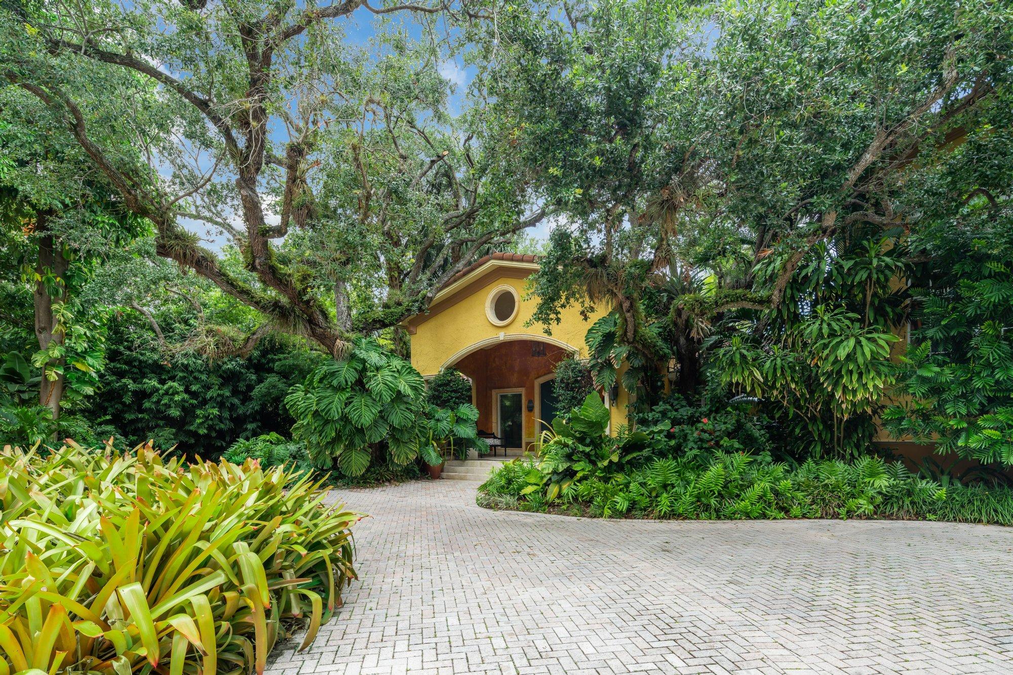 House in Miami, Florida, United States 1 - 11498369