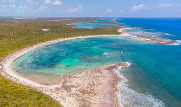 Land in Gordon's Settlement, Long Island, The Bahamas 1