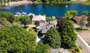 House in Picton, Ontario, Canada 1