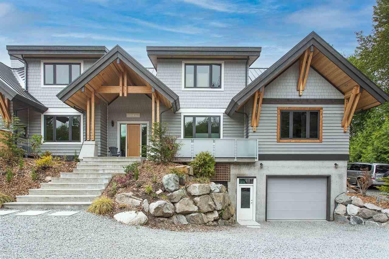 Apartment in Squamish, British Columbia, Canada 1 - 11463123