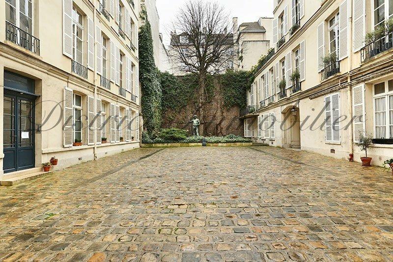 Apartment in Paris, Île-de-France, France 1 - 10425309