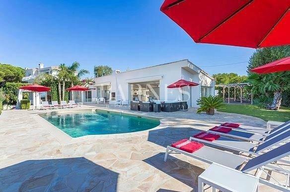 Villa in Cannes, Provence-Alpes-Côte d'Azur, France 1 - 10466648
