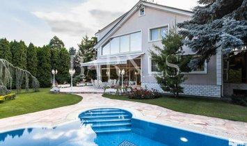 House in Dunakeszi, Pest County, Hungary 1