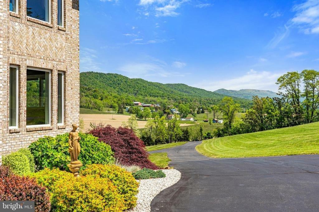 House in Edinburg, Virginia, United States 1 - 11510446