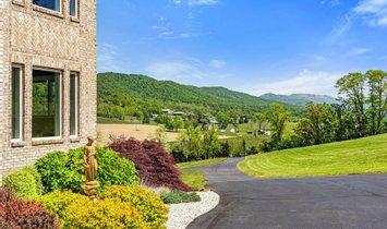 House in Edinburg, Virginia, United States 1