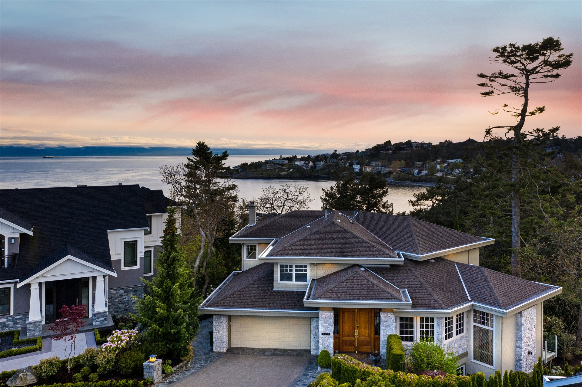 House in Oak Bay, British Columbia, Canada 1