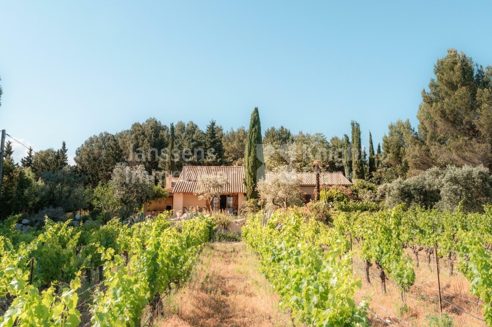 Villa in Eyragues, Provence-Alpes-Côte d'Azur, France 1 - 11512962