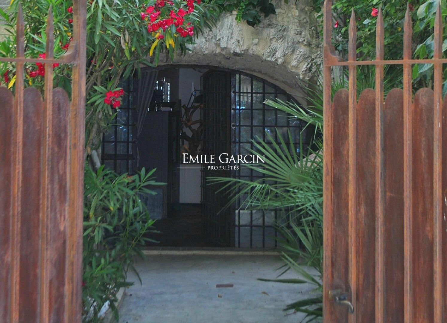 House in Aix-en-Provence, Provence-Alpes-Côte d'Azur, France 1 - 11512487