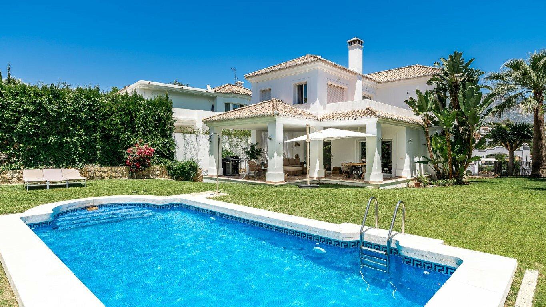 Villa in Marbella, Andalusia, Spain 1 - 11517536