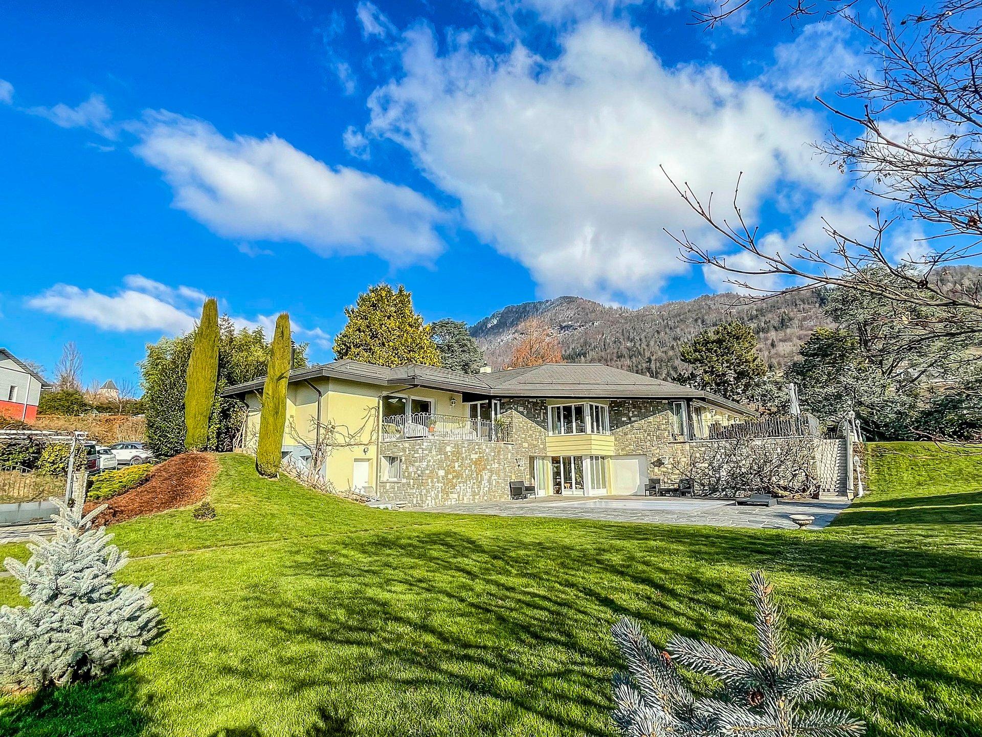 Villa in Blonay, Vaud, Switzerland 1 - 11517597