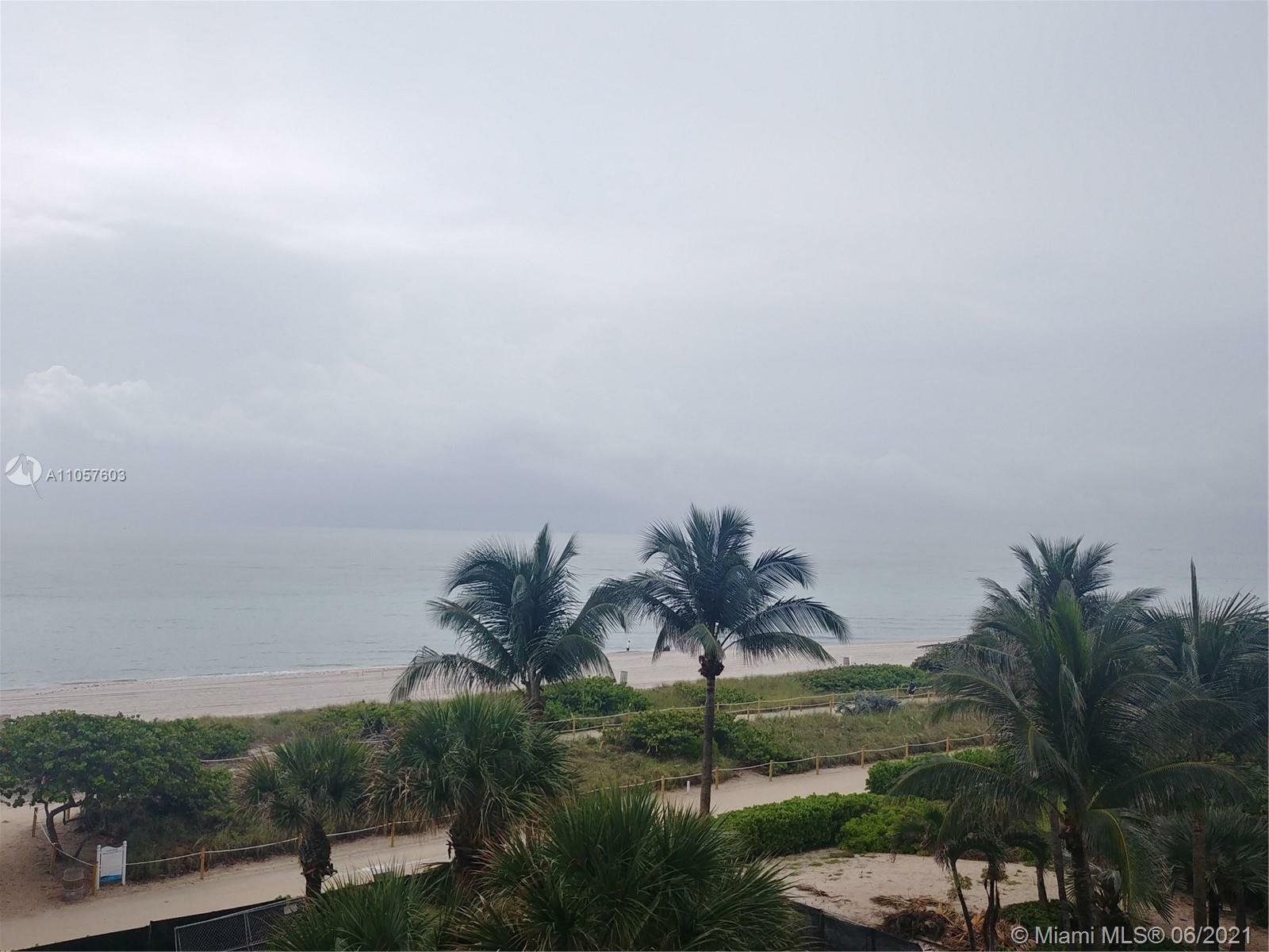 Condo in Bal Harbour, Florida, United States 1 - 11518305