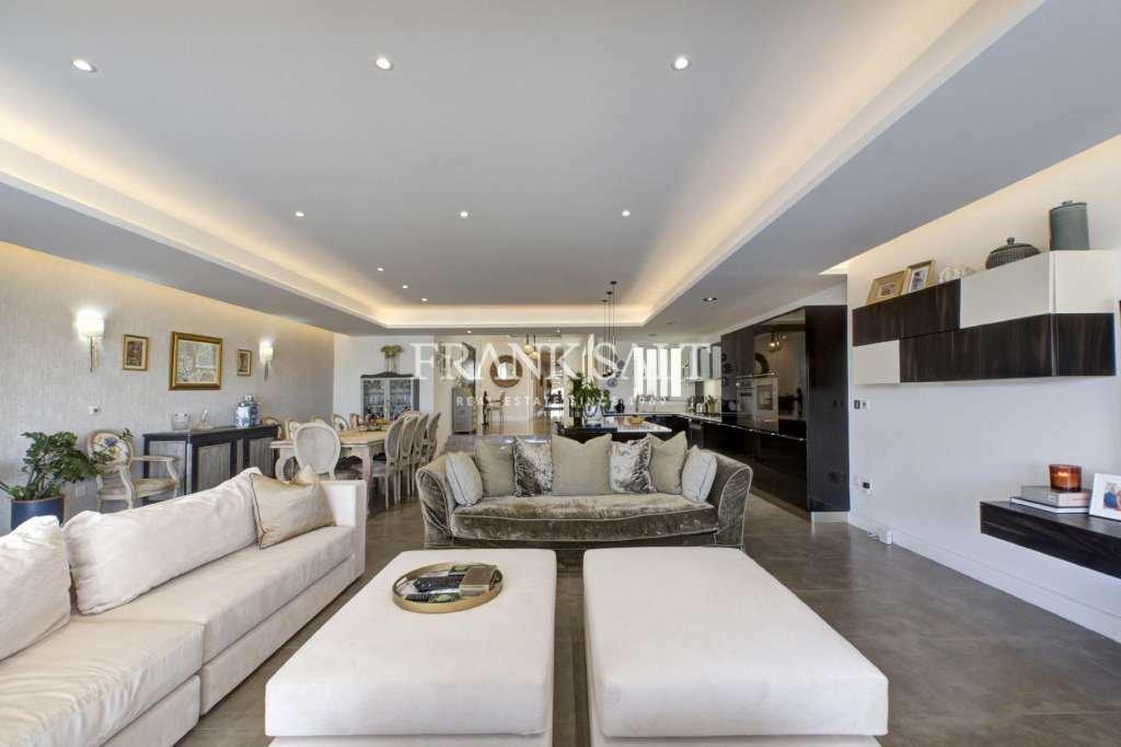 Apartment in Ta' Xbiex, Malta 1 - 11518468