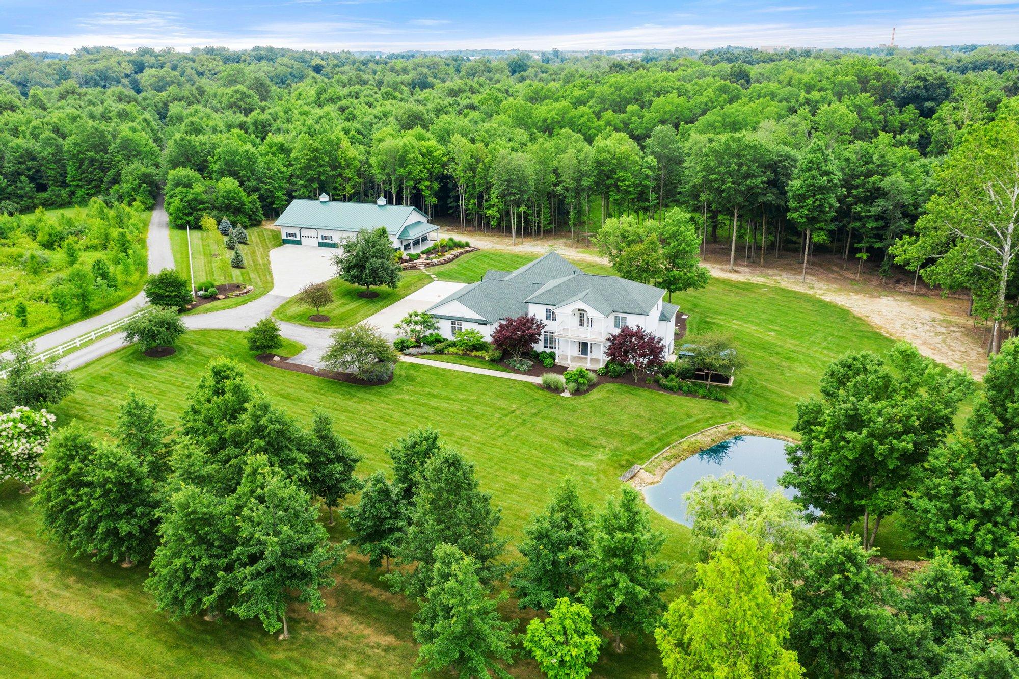 House in Roanoke, Indiana, United States 1 - 11518672