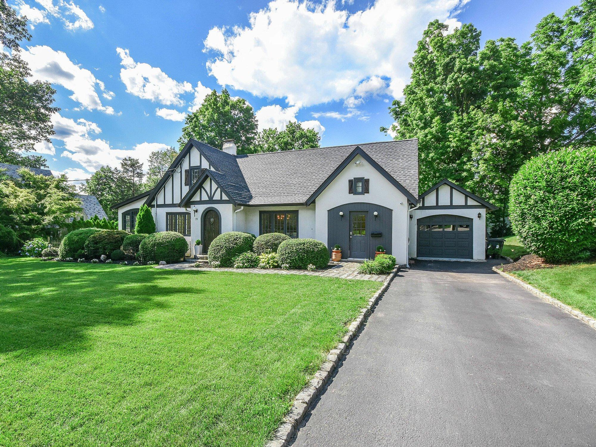 House in Port Washington, New York, United States 1 - 11521033
