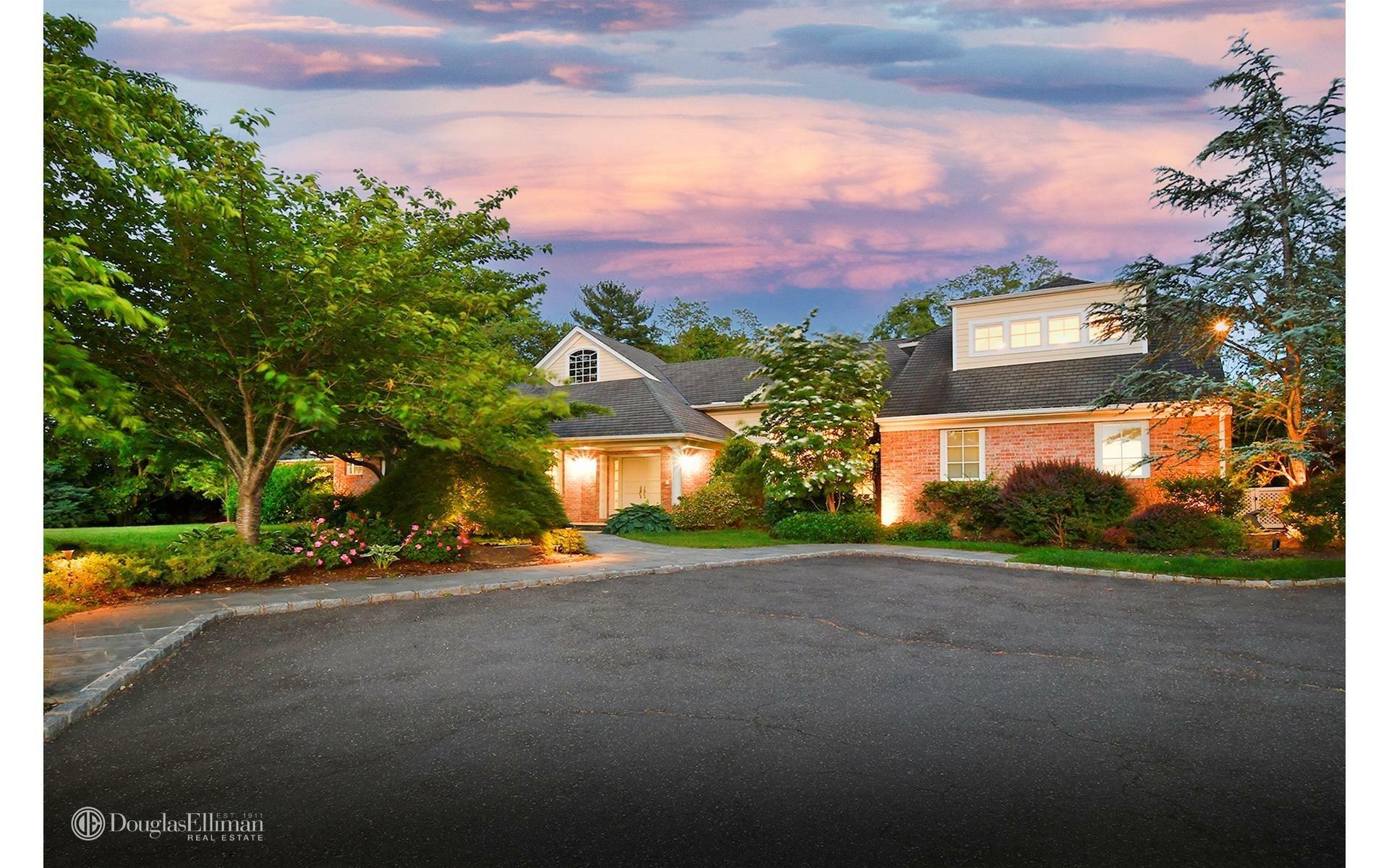 House in Port Washington, New York, United States 1 - 11511370