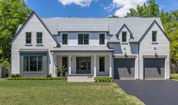 House in Oakville, Ontario, Canada 1