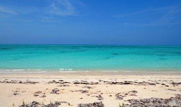 Land in Whitby, Caicos Islands, Turks- und Caicosinseln 1