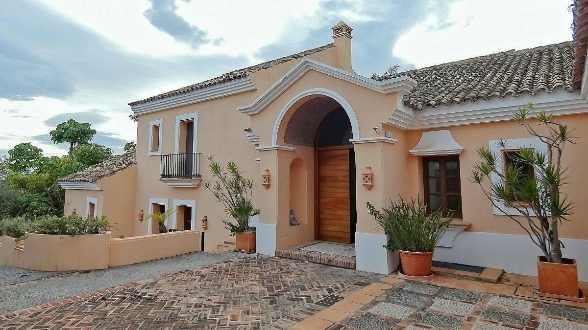 Villa in Marbella, Andalusia, Spain 1 - 11350576
