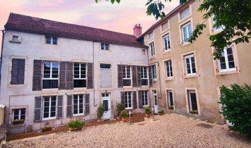 Haus in Châtillon-sur-Seine, Bourgogne-Franche-Comté, Frankreich 1