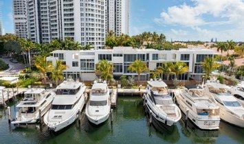 House in Aventura, Florida, United States 1