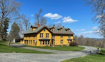 Farm Ranch in Cummington, Massachusetts, United States 1