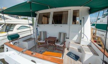 Ocean Alexander 546 Cockpit MY