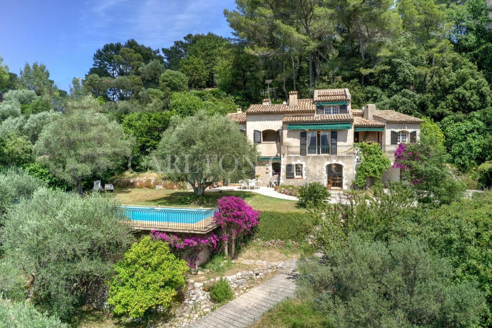 House in Mougins, Provence-Alpes-Côte d'Azur, France 1 - 11529762
