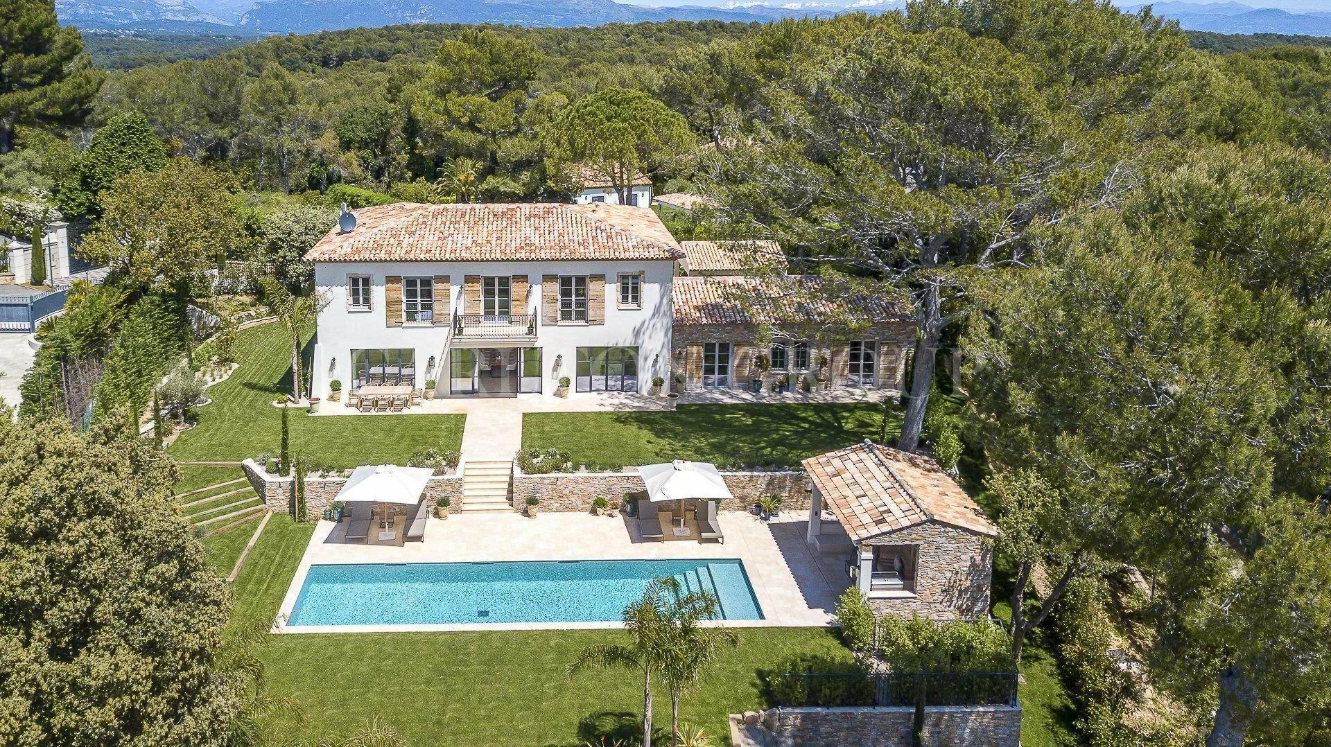 Villa in Mougins, Provence-Alpes-Côte d'Azur, France 1 - 11529756