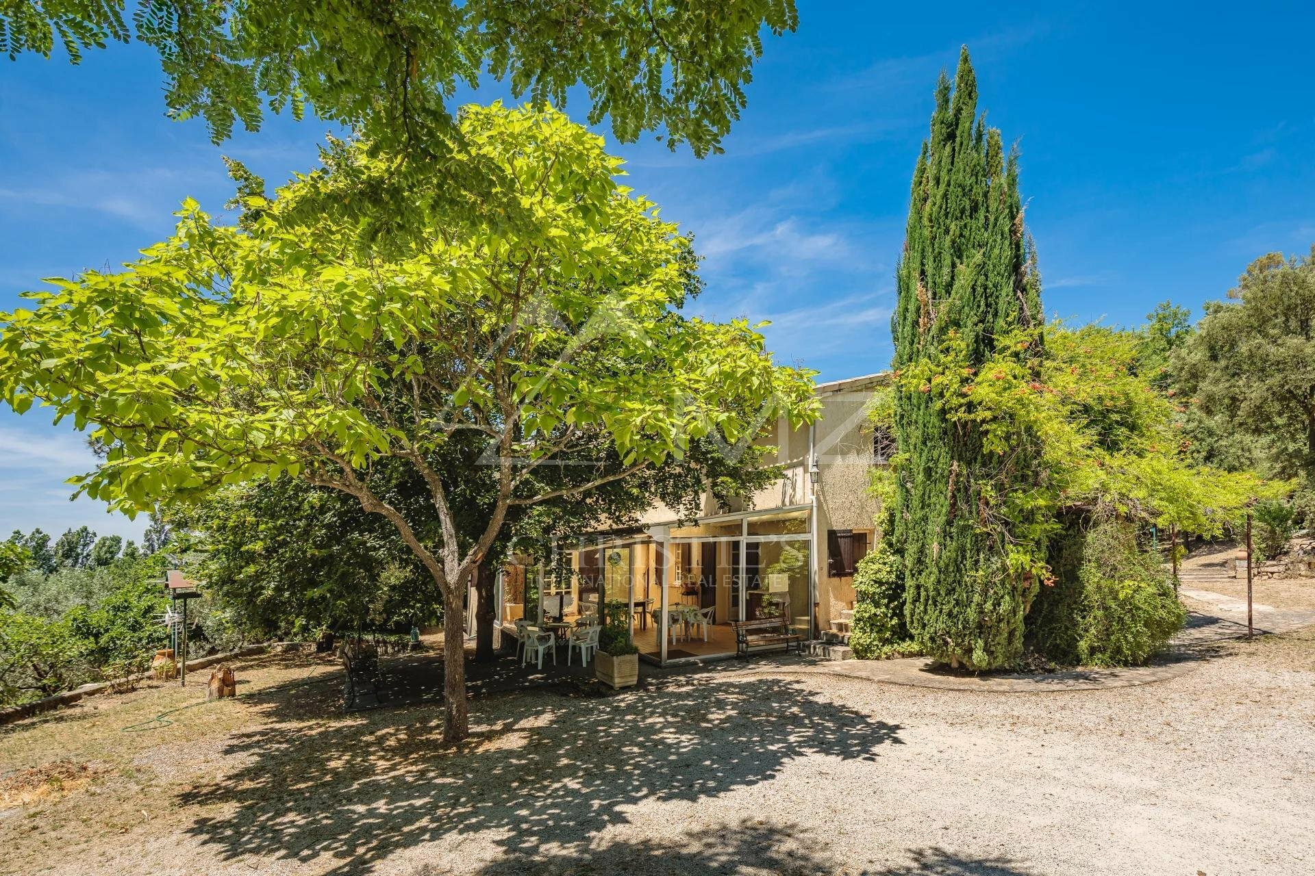 House in Cadenet, Provence-Alpes-Côte d'Azur, France 1 - 11530279
