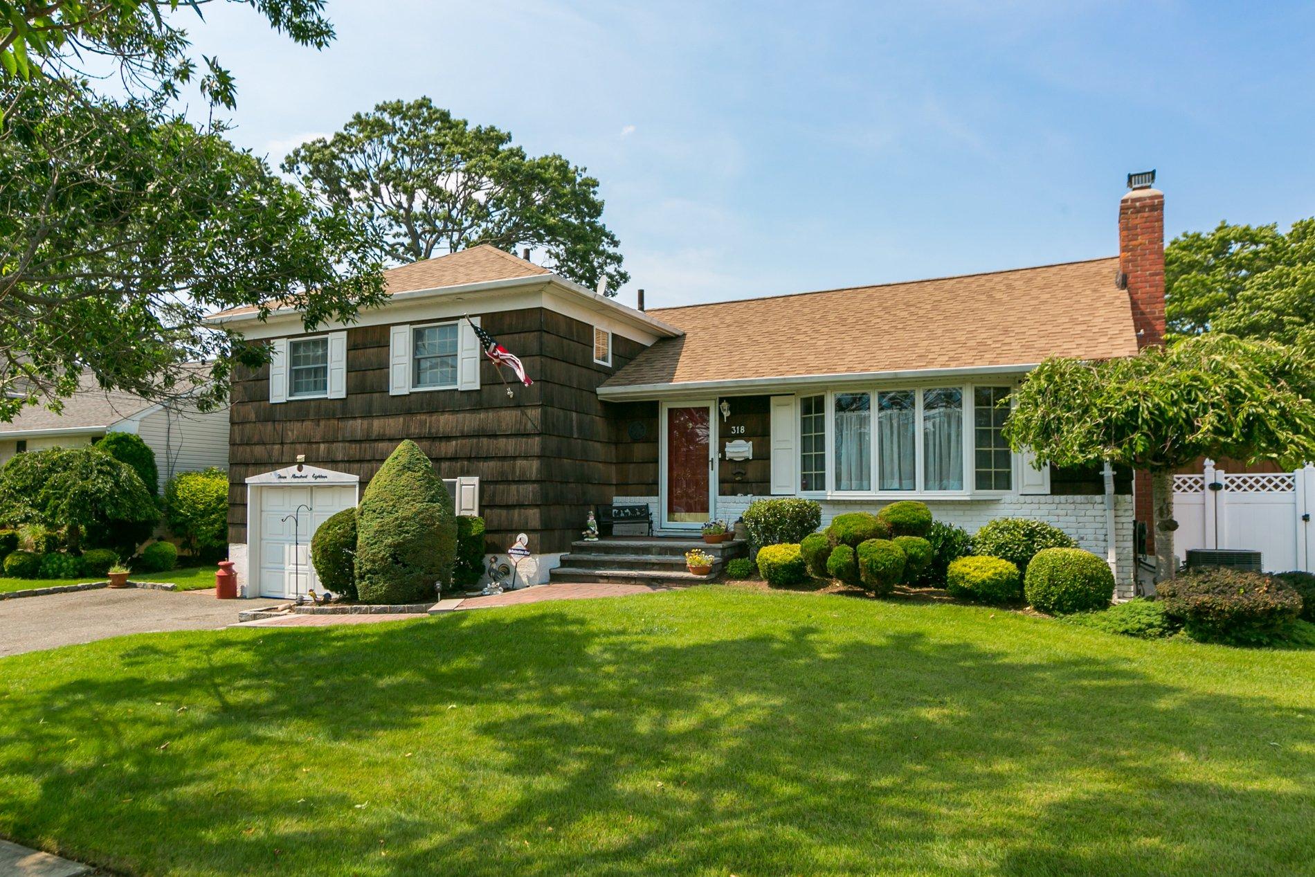 House in Massapequa Park, New York, United States 1 - 11532421