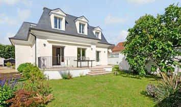 Huis in Rueil-Malmaison, Île-de-France, Frankrijk 1