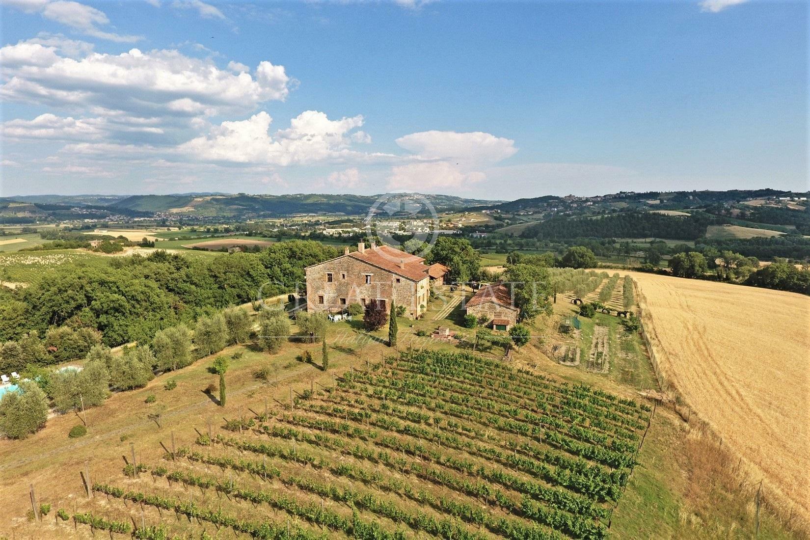 Estate in Umbria, Italy 1 - 10673661