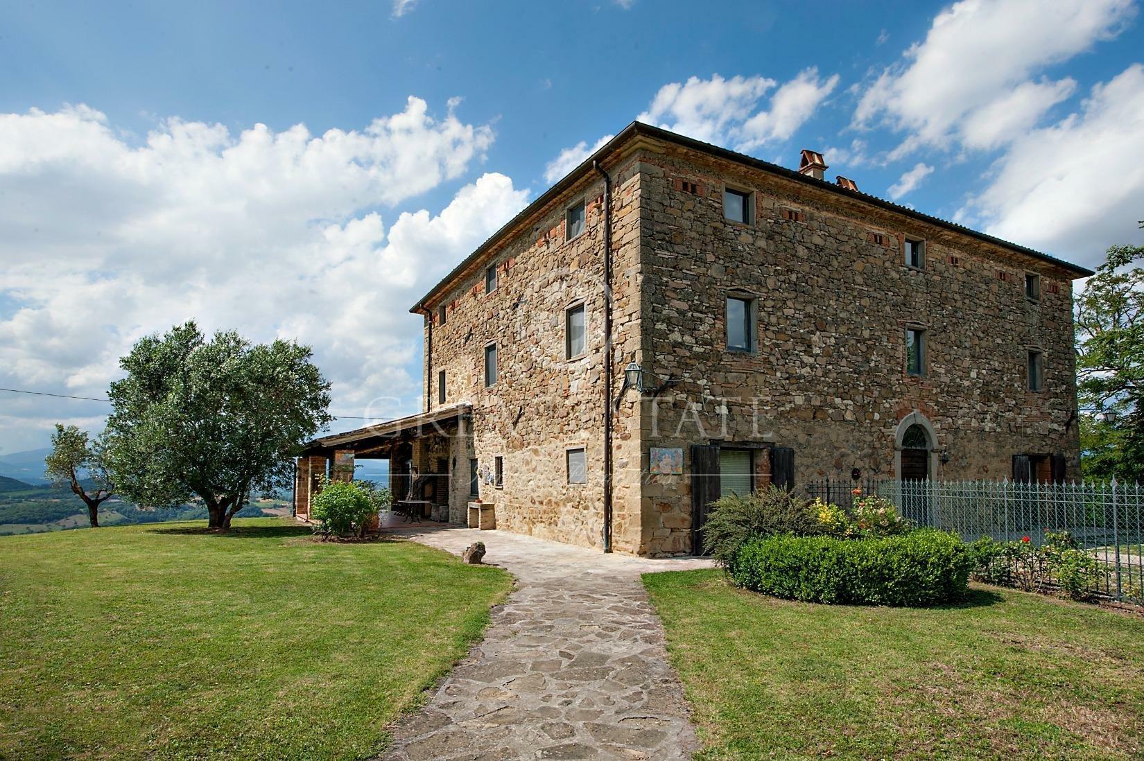 Estate in Umbria, Italy 1 - 10673938