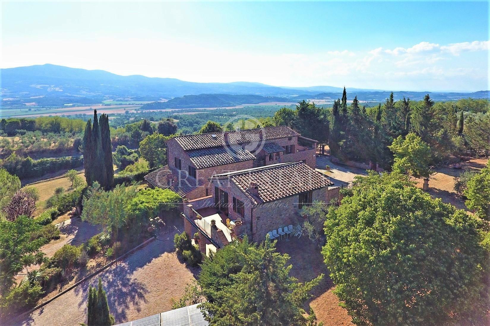 Estate in Umbria, Italy 1 - 10673799