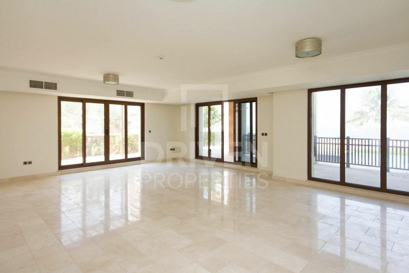 Villa in Dubai, Dubai, United Arab Emirates 1 - 11538176
