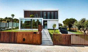 villa in Quarteira, Faro, Portugal 1