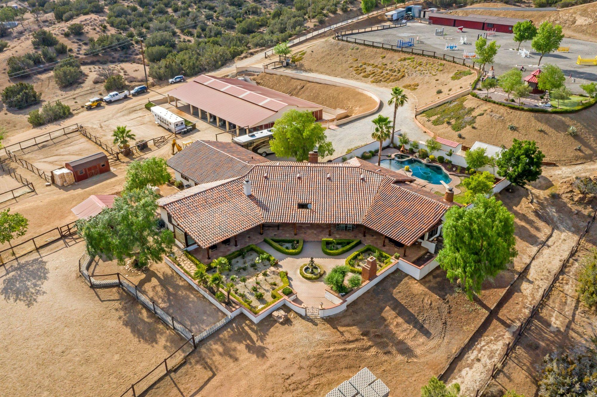 House in Santa Clarita, California, United States 1 - 11539265